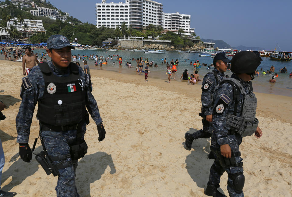 Acapulco Mexico beach soldiers homicides violence
