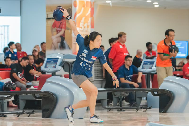 Singapore bowler Jazreel Tan in action at the 50th Singapore National Bowling Championships. (PHOTO: Eldridge Chang)