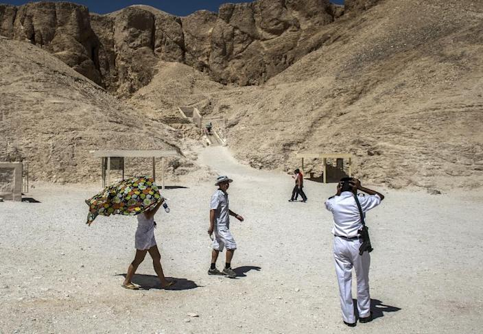 Tourists visit the Valley of the Kings (AFP Photo/Khaled Desouki)