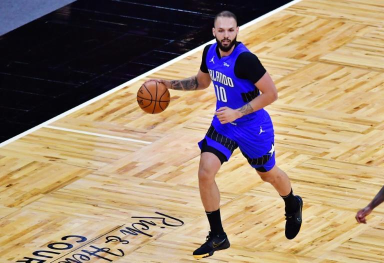 Evan Fournier sous le maillot du Magic d'Orlando, lors de la réception des Brooklyn Nets, le 19 mars 2021 en Floride