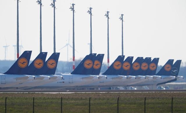 Airplanes of German carrier Lufthansa are parked at the Berlin Schoenefeld airport, Germany, March 16, 2020. Photo: Fabrizio Bensch/ Reuters
