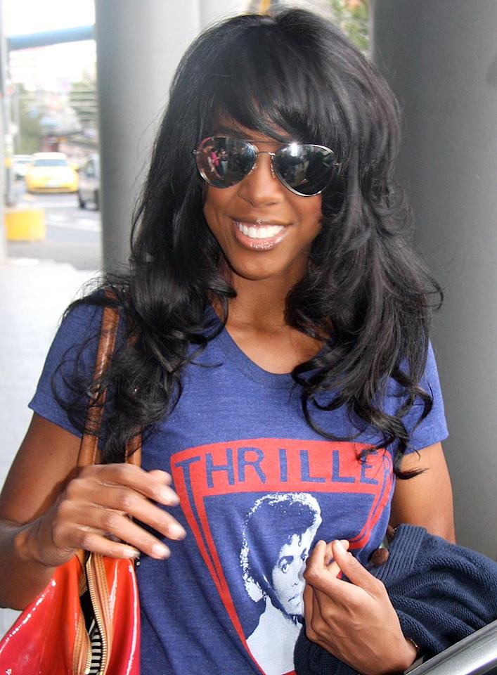 """Is it just us, or does Kelly Rowland's hairpiece need a lil' adjusting? ActionPress/<a href=""""http://www.x17online.com"""" target=""""new"""">X17 Online</a> - August 23, 2009"""