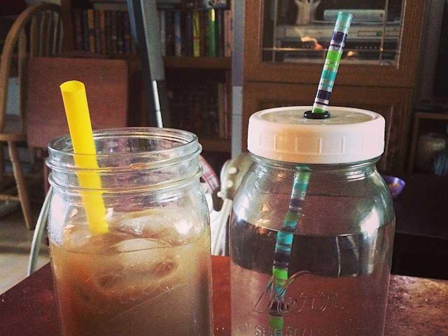 mason jar cups with lids