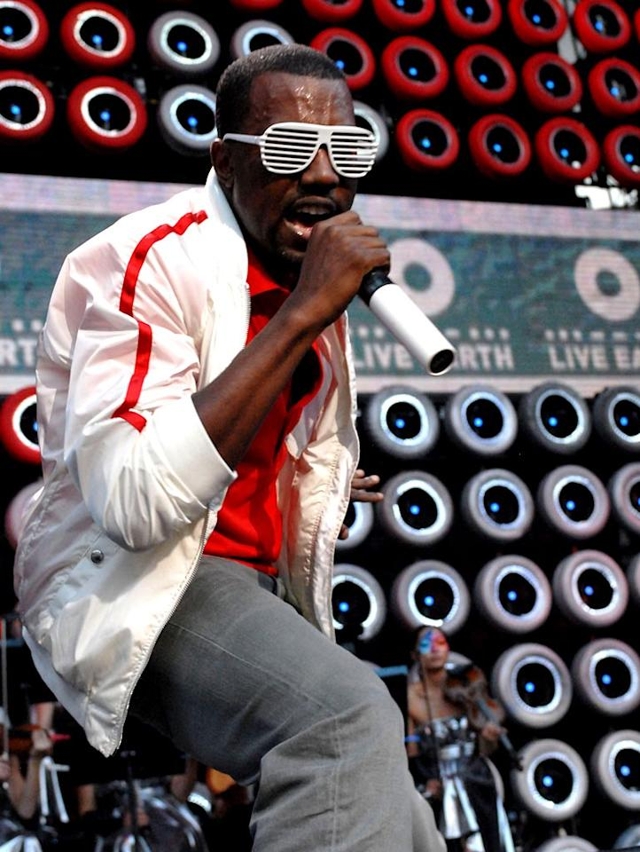 "In its first week of release, Kanye's third solo effort, ""Graduation,"" bolstered by the lead single ""Stronger,"" sold an impressive 957,000 units, giving the hip-hop artist the highest sales week for an album in '07 surpassing Linkin Park's ""Minutes to Midnight."" Theo Wargo/<a href=""http://www.wireimage.com"" target=""new"">WireImage.com</a> - July 7, 2007"