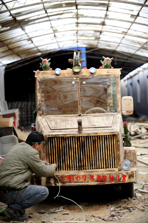 The original wooden car made by Fulong