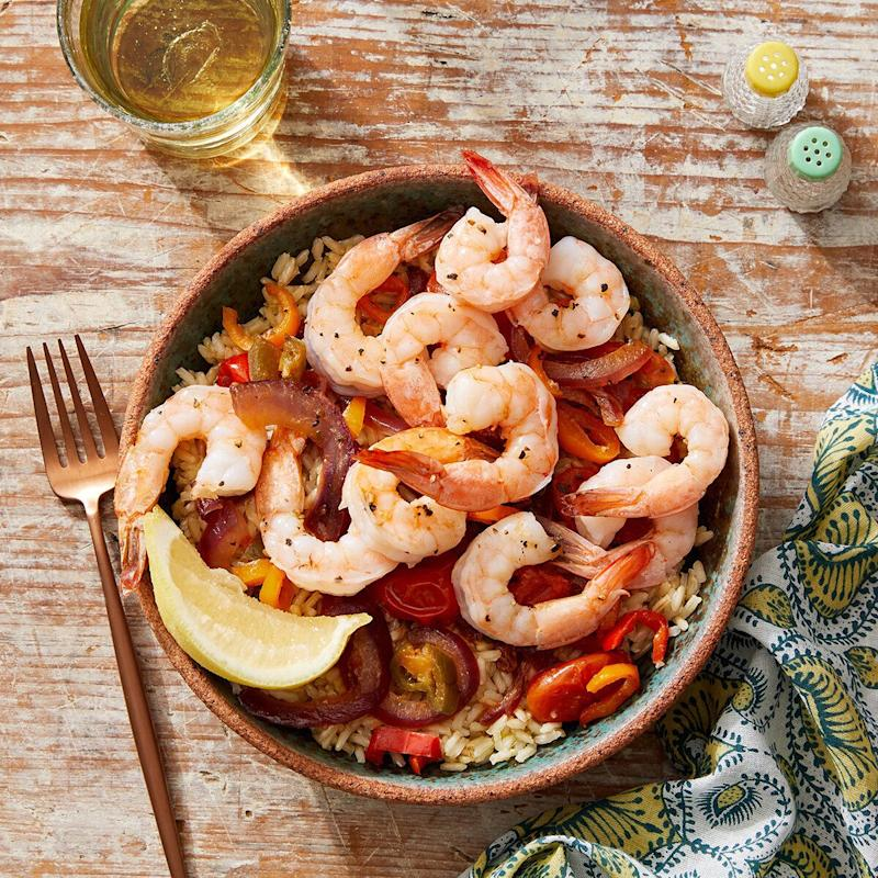 One of Blue Apron's new WW-approved recipes for 2020 includes this Veracruz-style shrimp and vegetables with brown rice. The recipe also happens to be under 500 calories. (Photo: Blue Apron)