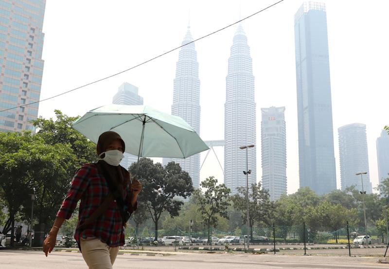 The finale of the FitMalaysia programme slated to take place tomorrow at Dataran Pahlawan Melaka Megamall in Bandar Hilir, Melaka, has been cancelled due to the unhealthy air quality. — Reuters pic