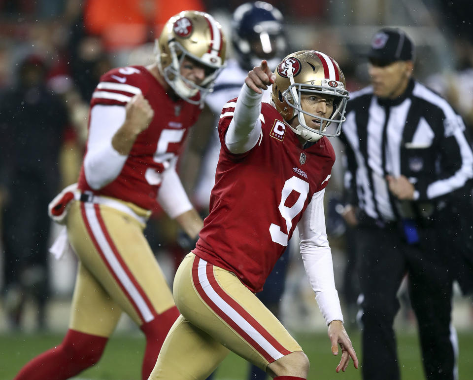 The San Francisco 49ers and kicker Robbie Gould have agreed to a new contract. (AP)