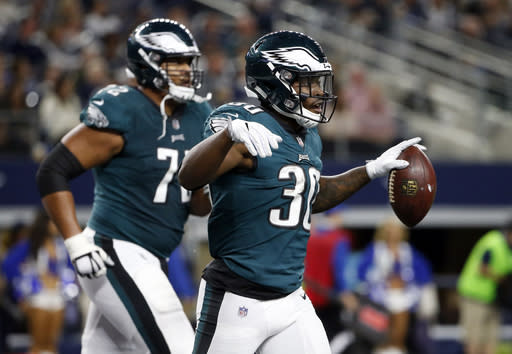 CoreyClement has shown a nose for the end zone in recent weeks for the high-octane Eagles. (AP Photo/Michael Ainsworth)