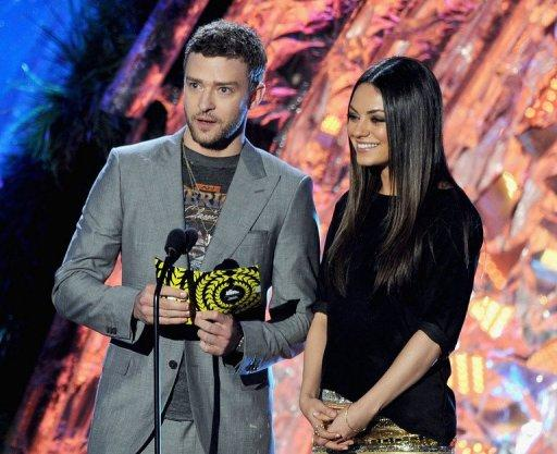 Actors Justin Timberlake (L) and Mila Kunis