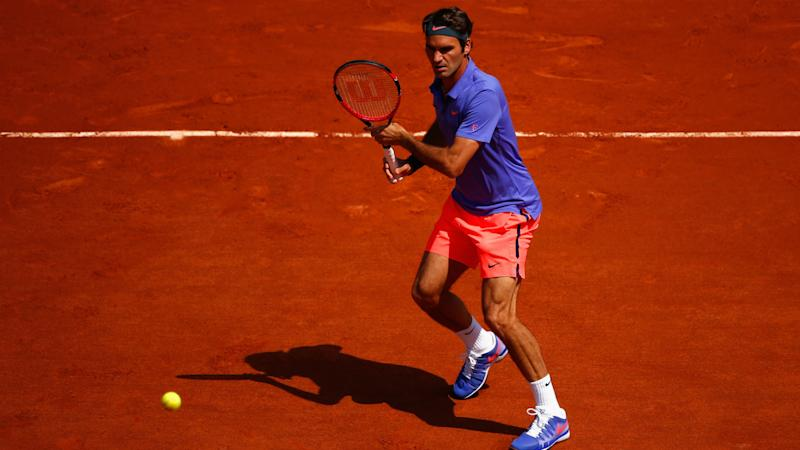 Federer not certain to play French Open