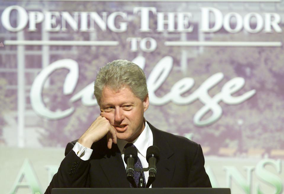 U.S. President Bill Clinton announces a lower student loan default at a White House ceremony in Washington on October 2, 2000. Clinton stated that the student loan default rate is currently 6.9 percent.  WP/CM