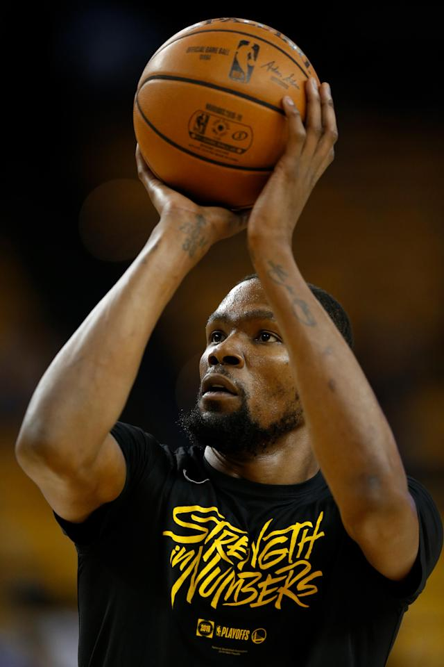 OAKLAND, CALIFORNIA - MAY 08: Kevin Durant #35 of the Golden State Warriors warms up before Game Five of the Western Conference Semifinals of the 2019 NBA Playoffs at ORACLE Arena on May 08, 2019 in Oakland, California. (Photo by Lachlan Cunningham/Getty Images)