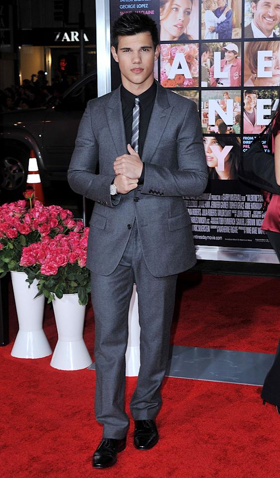 """<a href=""""http://movies.yahoo.com/movie/contributor/1808598632"""">Taylor Lautner</a> at the Los Angeles premiere of <a href=""""http://movies.yahoo.com/movie/1810094501/info"""">Valentine's Day</a> - 02/08/2010"""