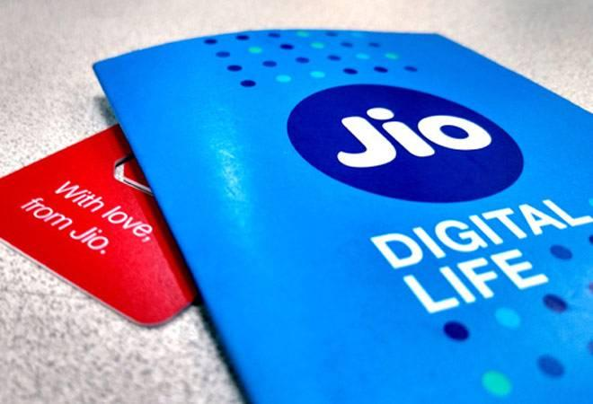 Reliance Jio's 4G feature phone to be priced at ₹1500 only