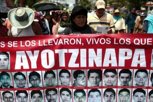 Mexico federal agents implicated in 43 students' disappearance