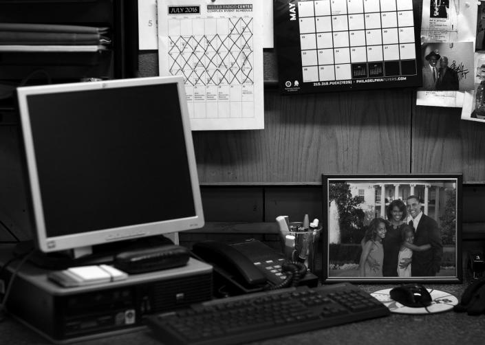 <p>A desk in the Wells Fargo Center shows a picture of the First Family and a calendar counting down the dates of the DNC Tuesday, July 26, 2016, in Philadelphia, PA. (Photo: Khue Bui for Yahoo News) </p>