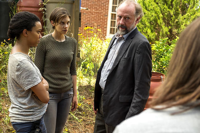 Sonequa Martin-Green as Sasha, Lauren Cohan as Maggie, and Xander Berkeley as Gregory in 'The Walking Dead' (Photo: AMC)