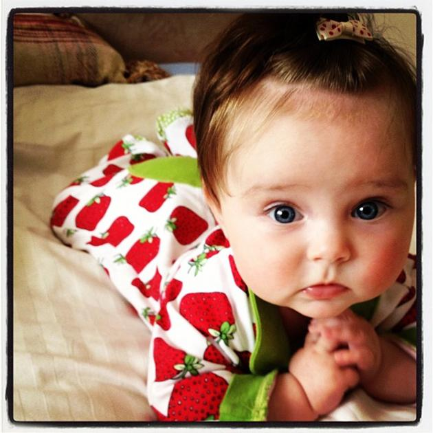 Celebrity photos: Una Healy from The Saturdays tweeted this adorable picture of her little daughter, Aoife Belle. The cutie was all dressed up in a summery outfit teamed with a very cute bow hair clip. We need an Aoife Belle in our lives.