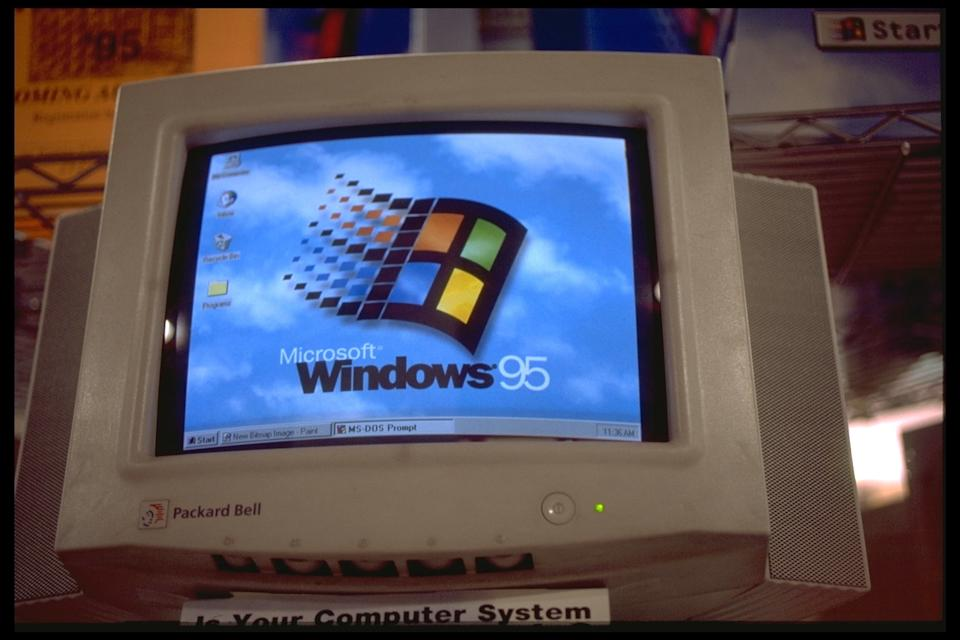 NEW YORK: LAUNCH OF WINDOWS 95  (Photo by Rick Maiman/Sygma via Getty Images)