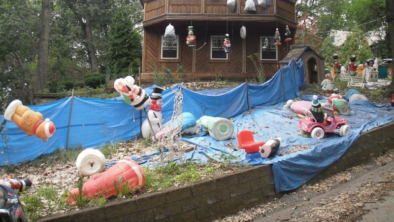 How One Man Is Terrorizing Neighbors With a Hostile Holiday Decoration Display
