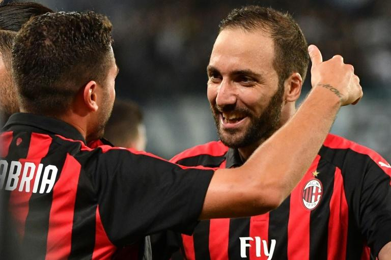 Argentine striker Gonzalo Higuain wants to score his first AC Milan goal on his San Siro debut against AS Roma