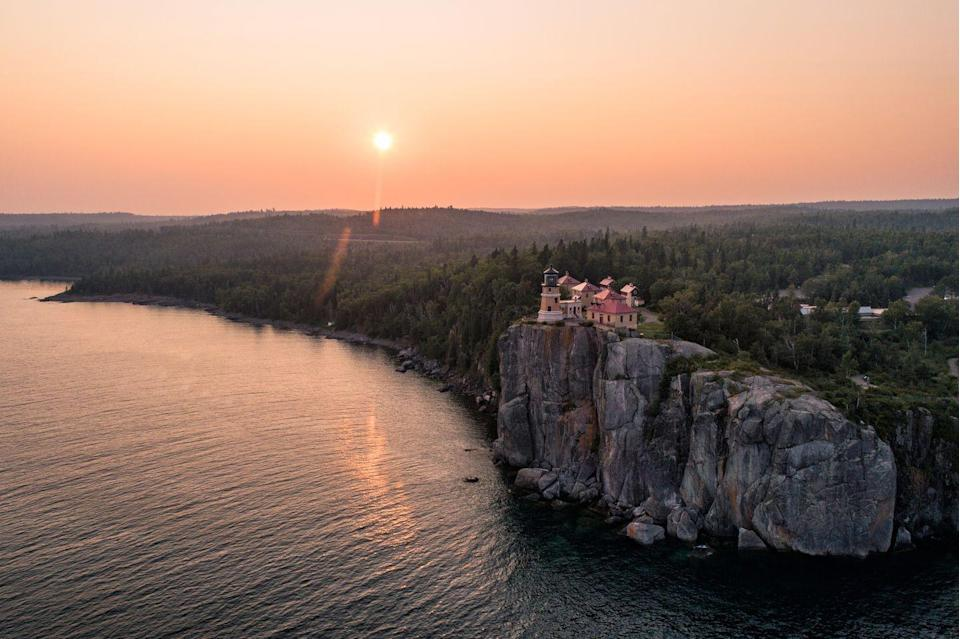 <p>Split Rock lighthouse towering over the cliffs of <strong>Lake Superior</strong> on the Minnesota bank. Lake Superior is the largest of the five Great Lakes, making it the largest lake in the United States. </p>