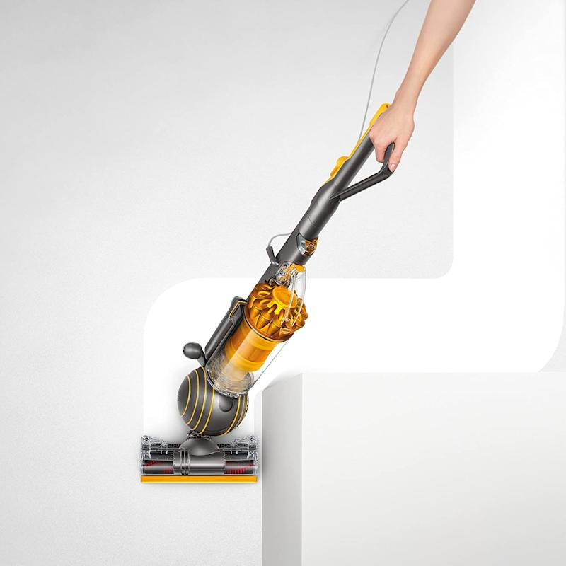 Get all those hard-to-reach spots with just one swivel. (Photo: Amazon)