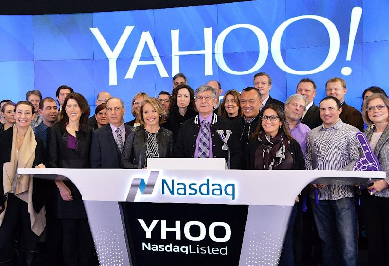 Yahoo! executives and editorial team ring the Opening Bell at NASDAQ MarketSite on March 2, 2015, in New York City (AFP Photo/Slaven Vlasic)