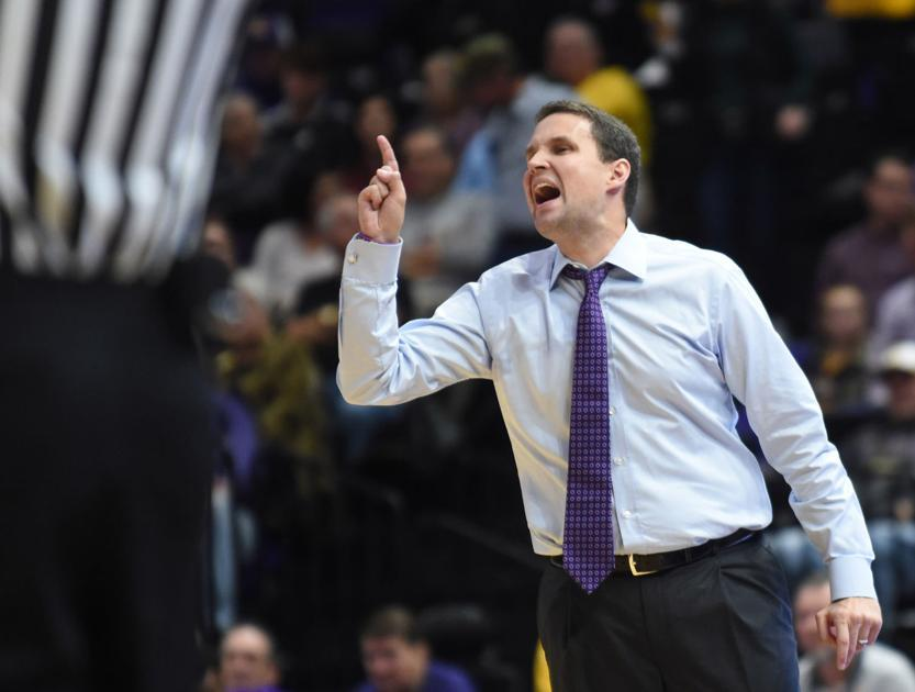 LSU coach Will Wade expects big improvement on defensive end with switch to 2-3 matchup zone