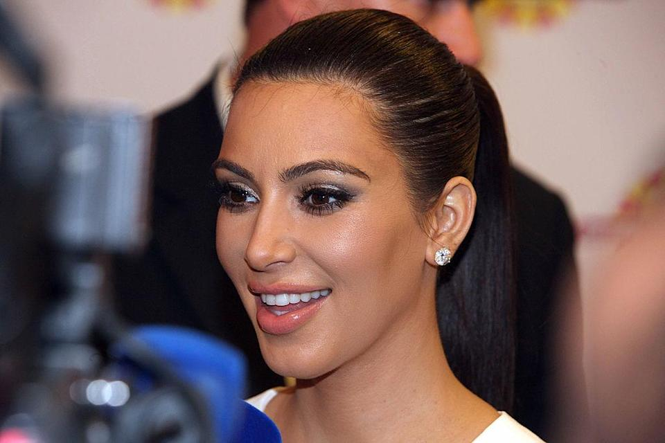 This is what Kim Kardashian does when she's too lazy to wash her face