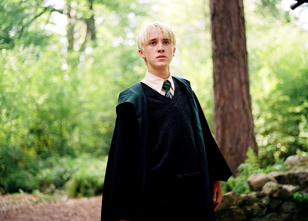 "MOVIE: ""<a href=""http://movies.yahoo.com/movie/1808404334/info"">Harry Potter and the Prisoner of Azkaban</a>"" (2004)  AGE: 16"