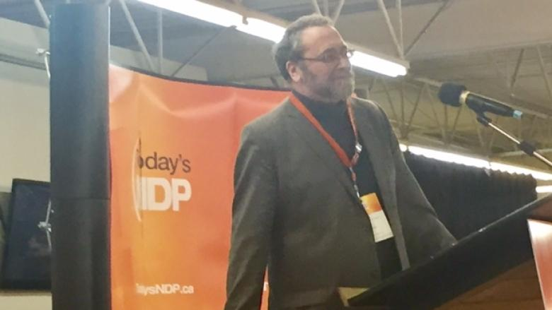 Status-quo result after hours of debate on 1 member, 1 vote at NDP convention