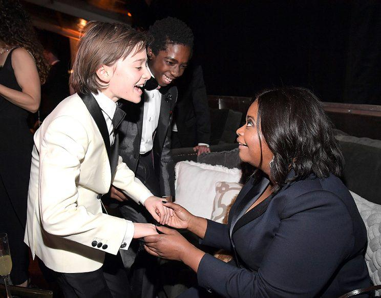 Finn Wolfhard and Caleb McLaughlin made fast friends with Octavia Spencer at a Globes party. (Photo: Charley Gallay/Getty Images for FIJI Water)