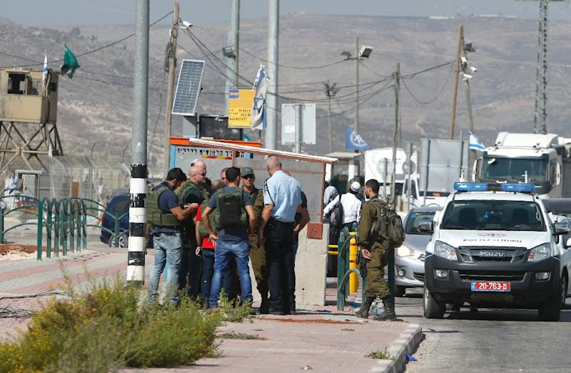 More than 200 Palestinians have been killed since October 2015, most of them while carrying out attacks, often equipped with knives, such as in this situation October 19, 2016