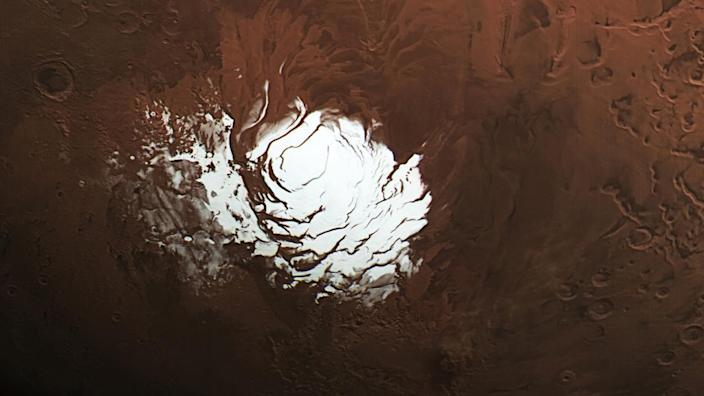 Even more salty lakes found under Mars' south pole