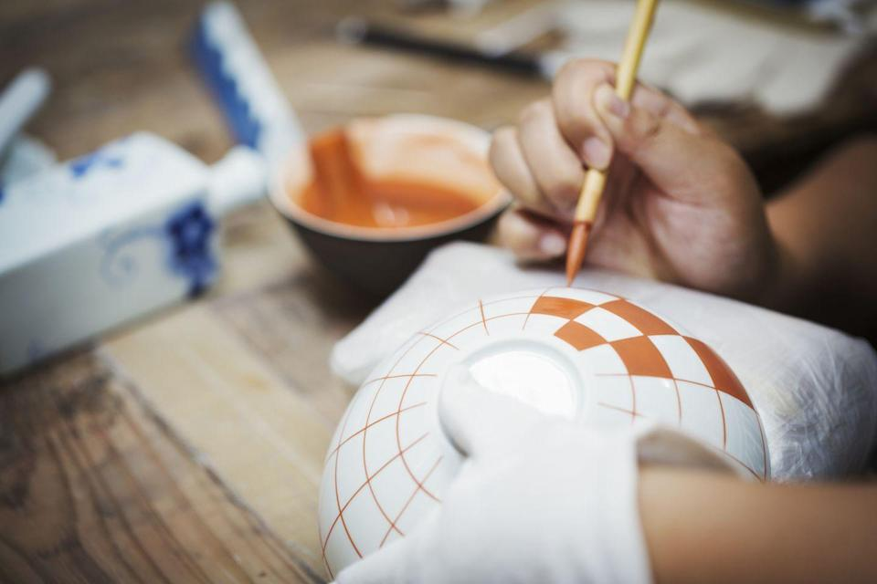 <p>Spend time with your 'SO' and learn a new skill at the same time. Whether you've always wanted to learn how to play the guitar or painting pottery has been on your bucket list, now is the time. </p>