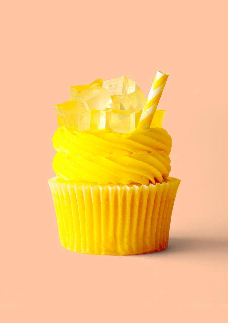 """<p>No need to stop at the lemonade stand this 4th of July: These sweet-tart cupcakes are topped with gelatin """"ice cubes""""!</p><p><strong>Get the recipe at <a href=""""https://thescranline.com/lemonade-cupcakes/"""" rel=""""nofollow noopener"""" target=""""_blank"""" data-ylk=""""slk:The Scran Line"""" class=""""link rapid-noclick-resp"""">The Scran Line</a>.</strong><br><br><a class=""""link rapid-noclick-resp"""" href=""""https://go.redirectingat.com?id=74968X1596630&url=https%3A%2F%2Fwww.walmart.com%2Fsearch%2F%3Fquery%3DPAPER%2BSTRAWS&sref=https%3A%2F%2Fwww.thepioneerwoman.com%2Ffood-cooking%2Frecipes%2Fg36343624%2F4th-of-july-cupcakes%2F"""" rel=""""nofollow noopener"""" target=""""_blank"""" data-ylk=""""slk:SHOP PAPER STRAWS"""">SHOP PAPER STRAWS</a></p>"""