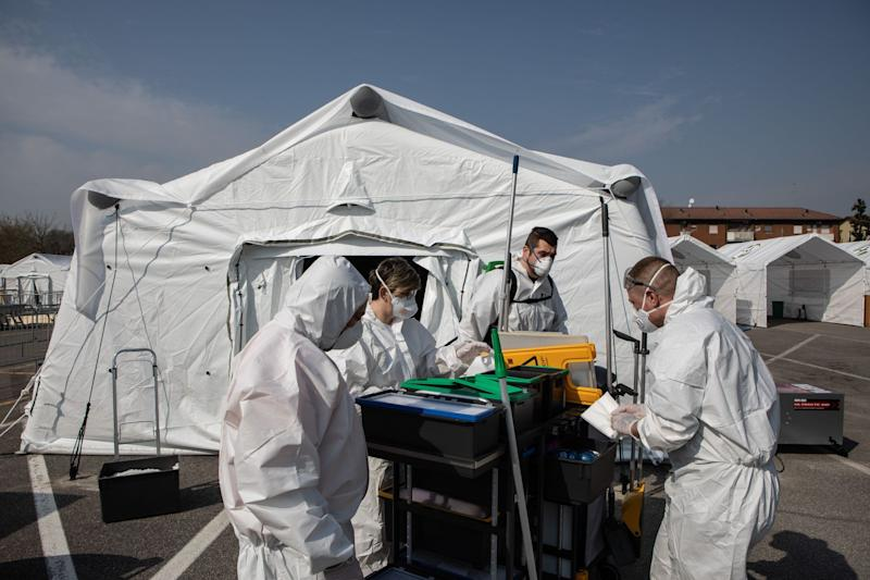 Italy Struck by Deadliest Day as Virus Prompts Industry Shutdown