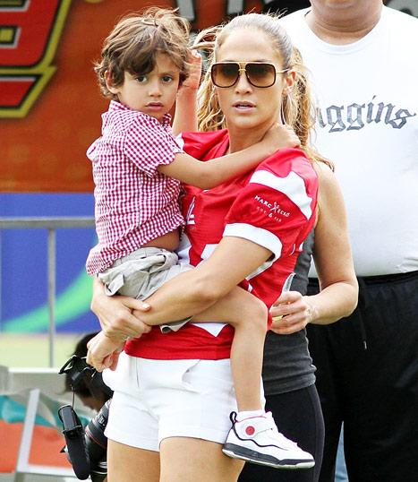 """Jennifer Lopez's Son Max Has """"Stitches on His Chin"""": """"I Was Freaking Out,"""" She Says"""
