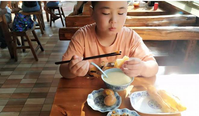 Lu Zikuan said the diet was fun at first, but sometimes he got a stomach ache. Photo: Weibo