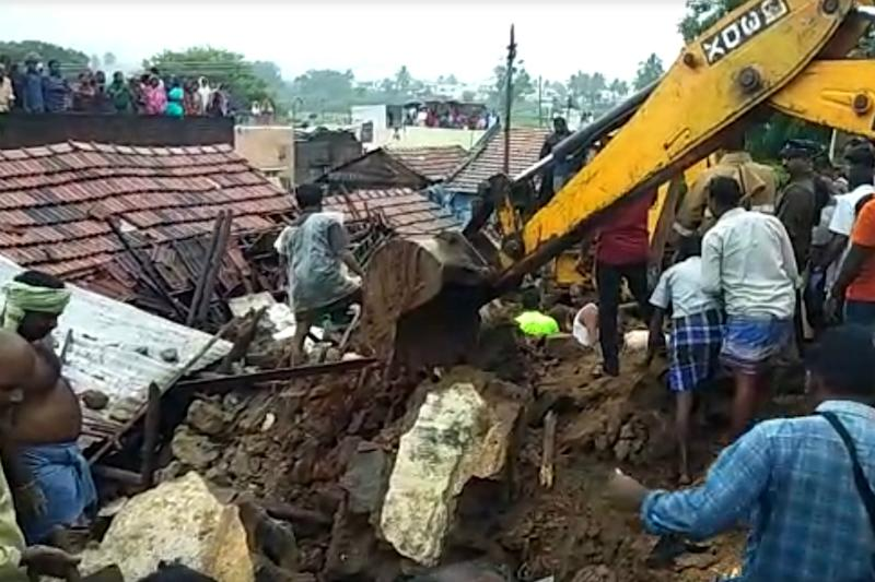 Tamil Nadu Rains LIVE: 25 Killed in State as Rain Wreaks Havoc; 1,000 People in Relief Camps