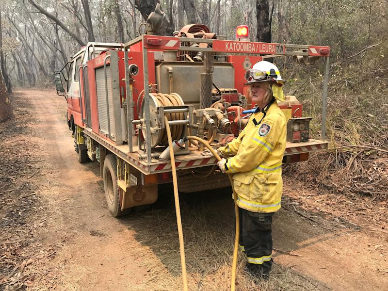 A volunteer from the New South Wales Rural Fire Service works to extinguish spot fires following back burning operations in Mount Hay, in Australia's Blue Mountains, December 28, 2019. Picture taken December 28, 2019. REUTERS/Jill Gralow (Photo: REUTERS)