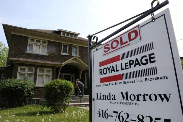 While quick resales are 'not the most determining factor to explain the current affordability challenges,' the increase in competition does have an adverse effect on home buyers and renters. (Chris Helgren/Reuters - image credit)