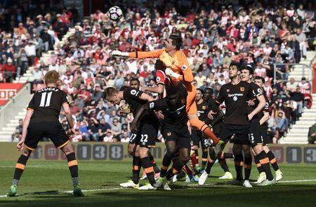 Britain Football Soccer - Southampton v Hull City - Premier League - St Mary's Stadium - 29/4/17 Hull City's Eldin Jakupovic attempts to punch the ball clear Action Images via Reuters / Tony O'Brien Livepic