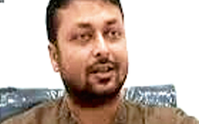 More trouble for AAP as MLA Rituraj Jha caught betting on camera