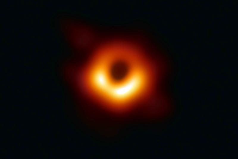 Male Scientist Claps Back at Trolls Who Tried to Discredit Female Colleague's Role in Black Hole Photo