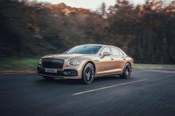 PHOTO: 2021 Bentley Flying Spur V8 (Bentley Motors)