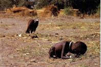<p>1993. A vulture preys on a Sudanese toddler near the village of Ayod.</p>