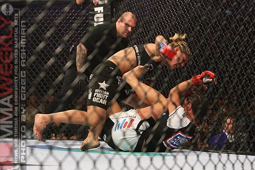 """Cris Cyborg Dropping to 135 Pounds to Retire Ronda Rousey, """"Like I Did Gina Carano"""""""